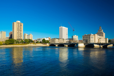 relocating to Cedar Rapids - Picture of Skyline, Bridge and River